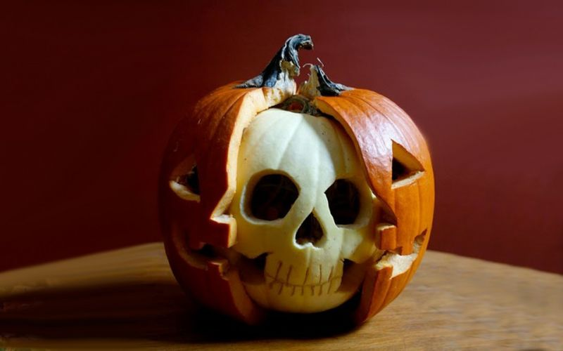 skull pumpkinjpg - Funny Halloween Pumpkin Carvings