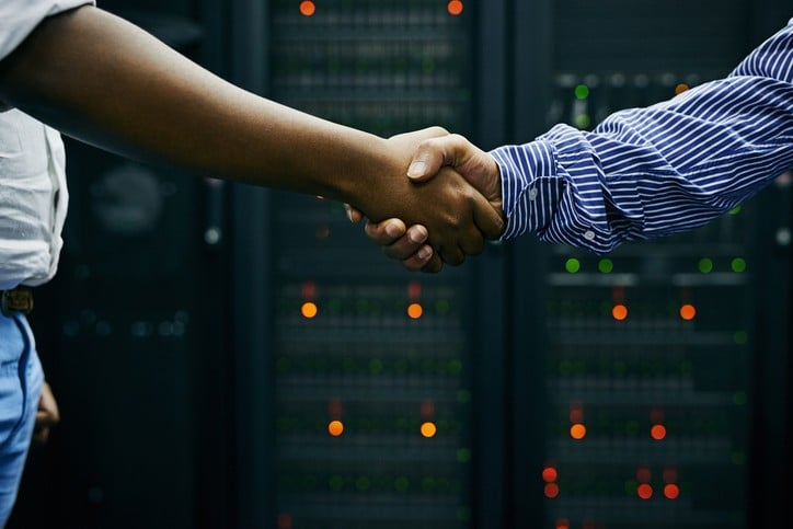 hand shake in data centre