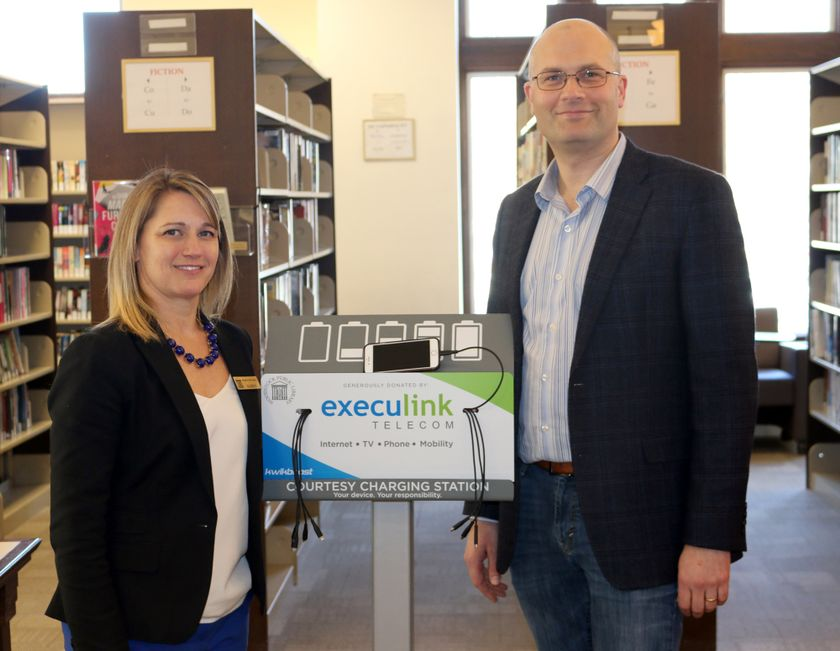 execulink charging stations at woodstock library